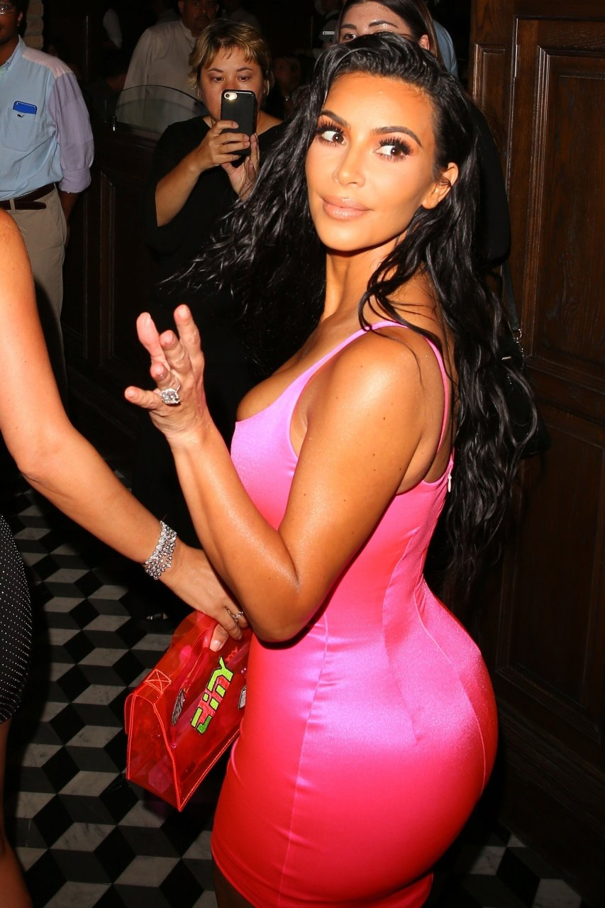 Kim-Kardashian-Sexy-TheFappeningBlog.com-43.jpg
