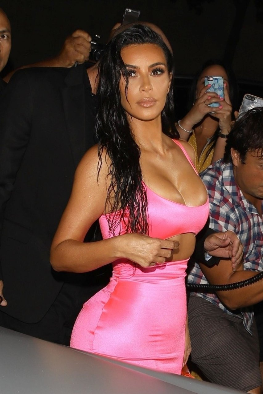 Kim-Kardashian-Sexy-TheFappeningBlog.com-53.jpg