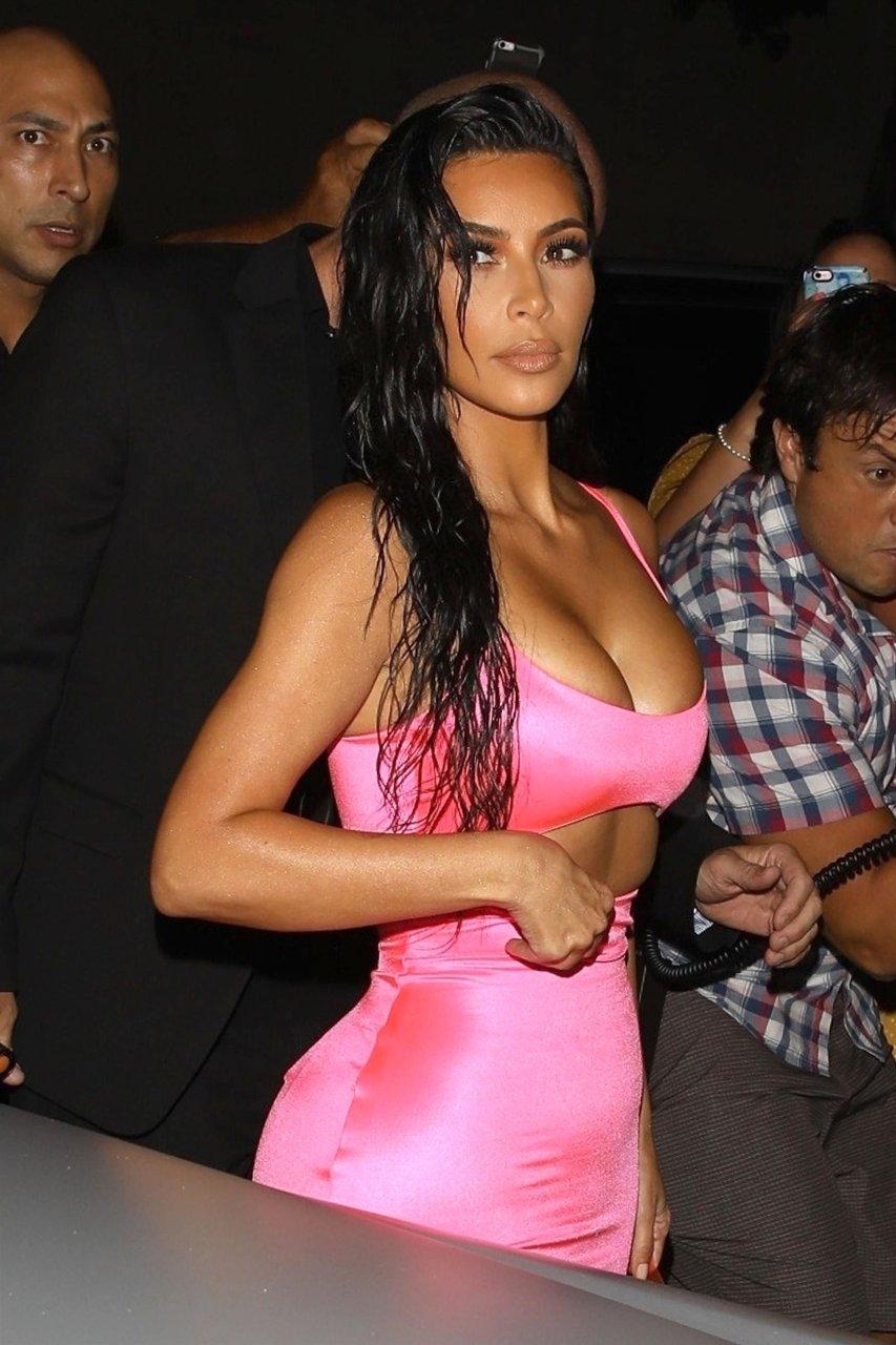 Kim-Kardashian-Sexy-TheFappeningBlog.com-54.jpg