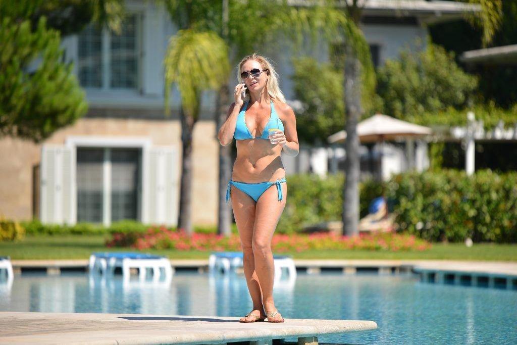Kristina Rihanoff Sexy (11 Photos)