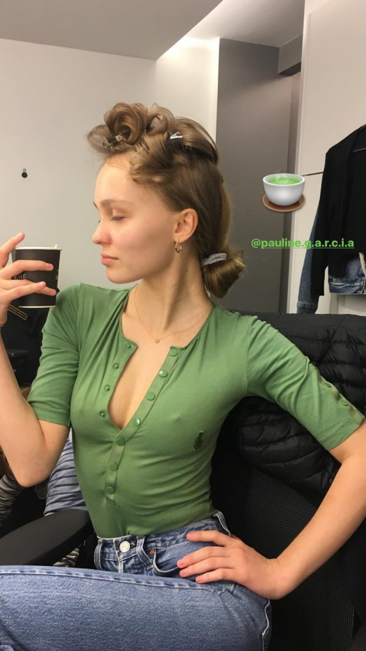 Lily-Rose Depp Sexy & Topless (106 Photos)