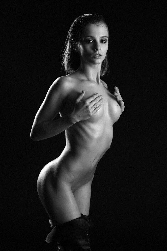 Marta Gromova Naked (10 Photos)