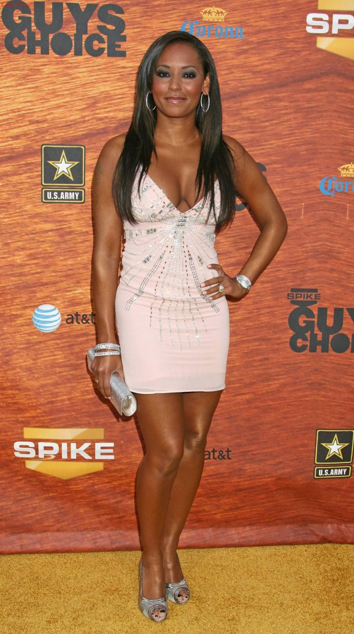 Melanie Brown Nude & Sexy (171 Photos)   #TheFappening