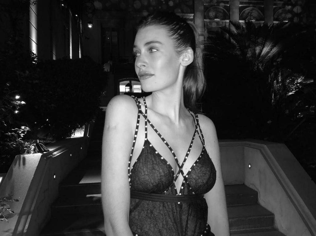 Mia Quinn Nude & Sexy (50 Photos)