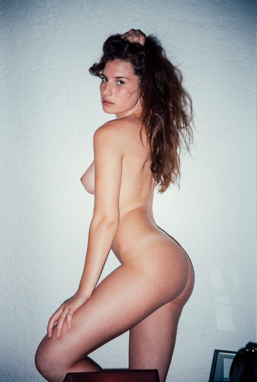 Pauline Santamaria Nude (19 Photos)