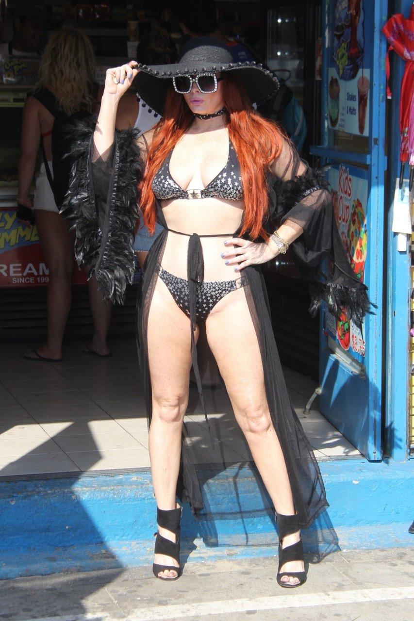 Phoebe-Price-Sexy-TheFappeningBlog.com-1-3.jpg