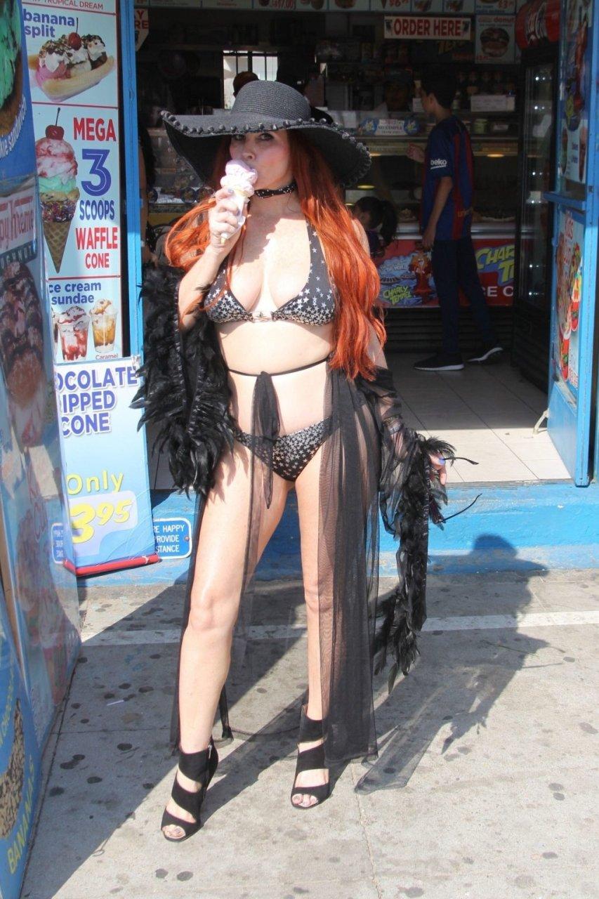 Phoebe Price Hot (18 Photos)