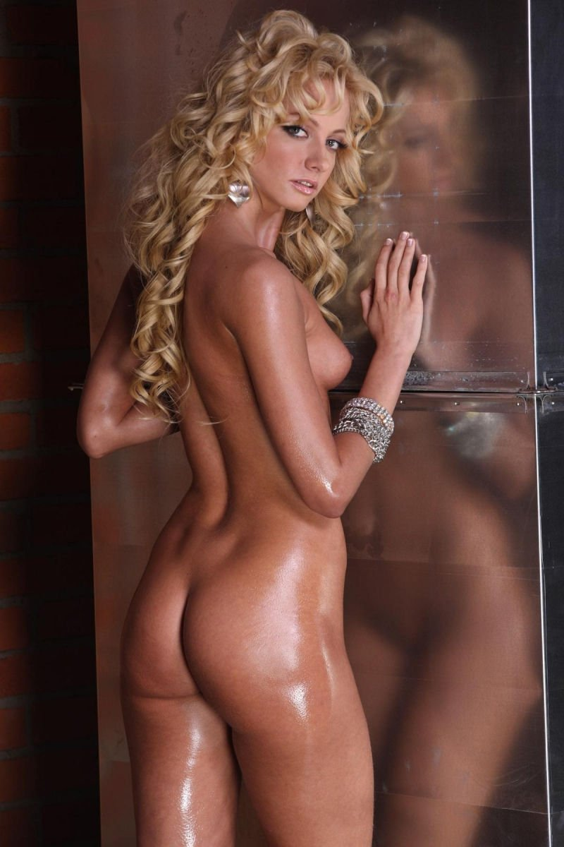 Polina-Maximova-Nude-Sexy-TheFappeningBlog.com-14.jpg