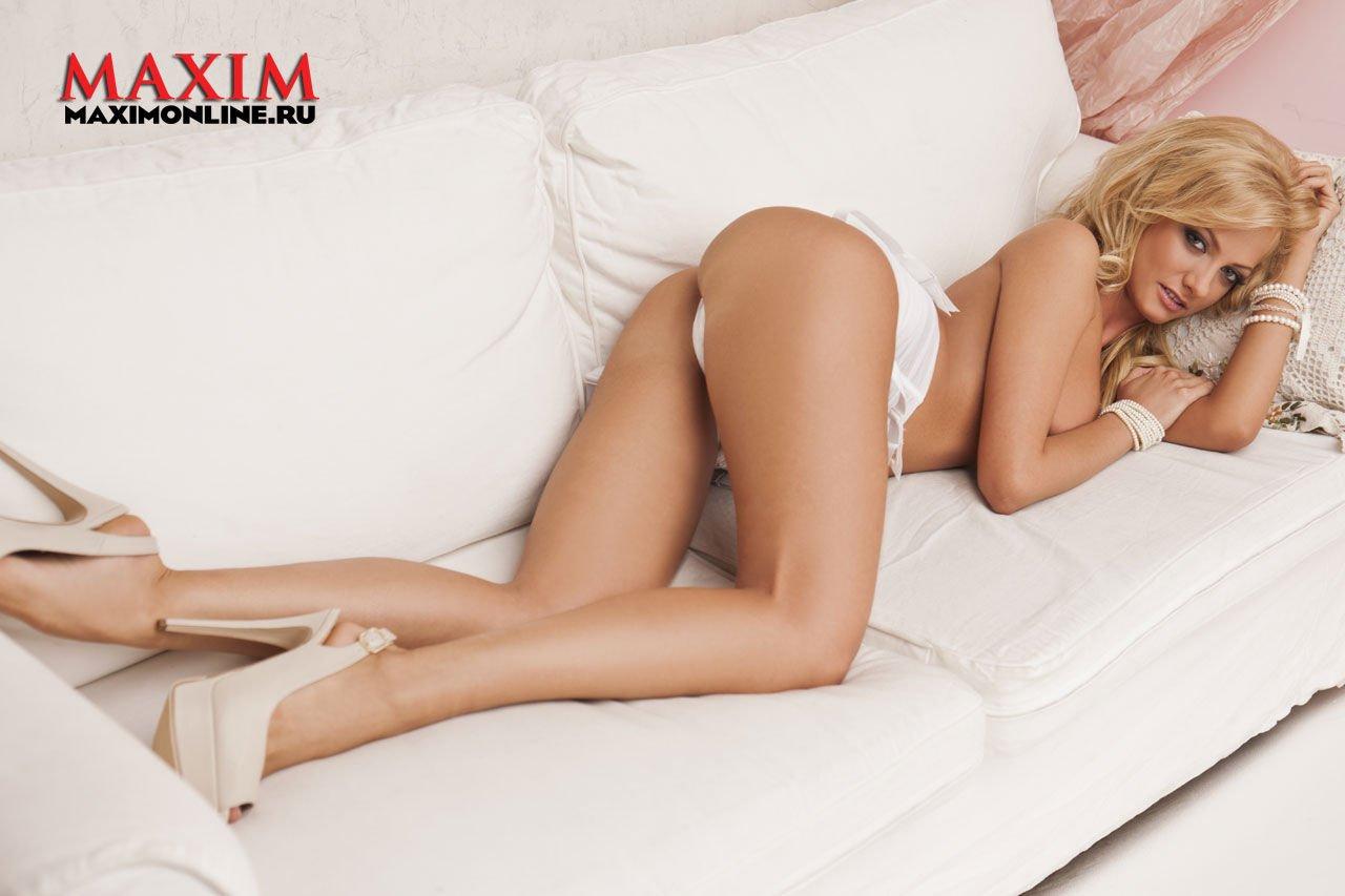 Polina-Maximova-Nude-Sexy-TheFappeningBlog.com-18.jpg