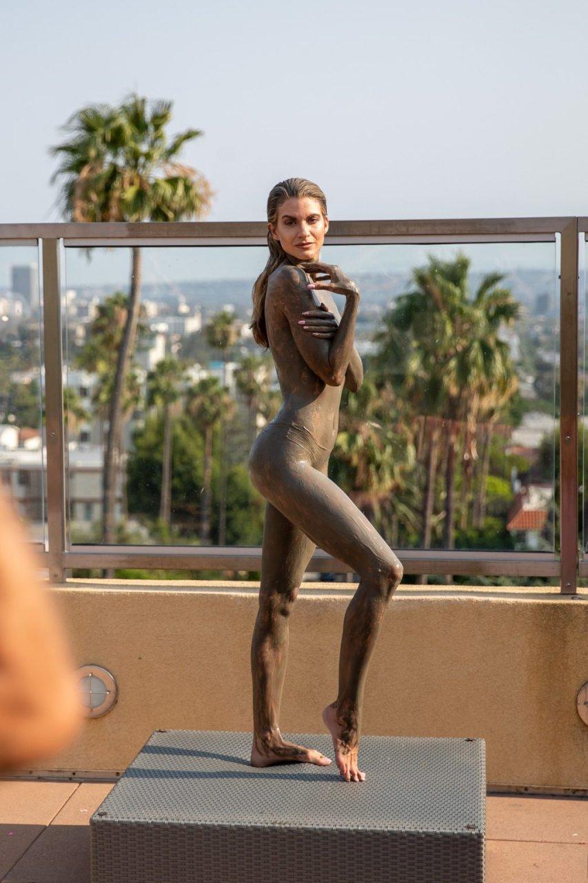 Rachel McCord Topless (24 Photos)
