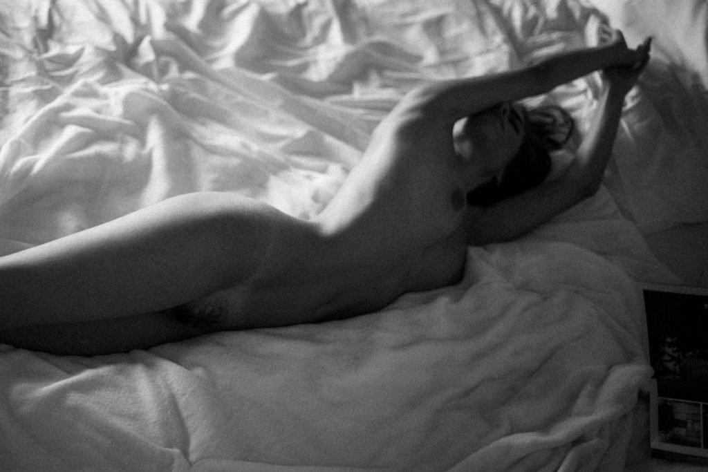 Rebecca Bagnol Nude (17 Photos)