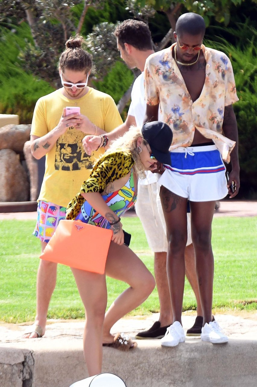Rita-Ora-Sexy-TheFappeningBlog.com-12.jpg