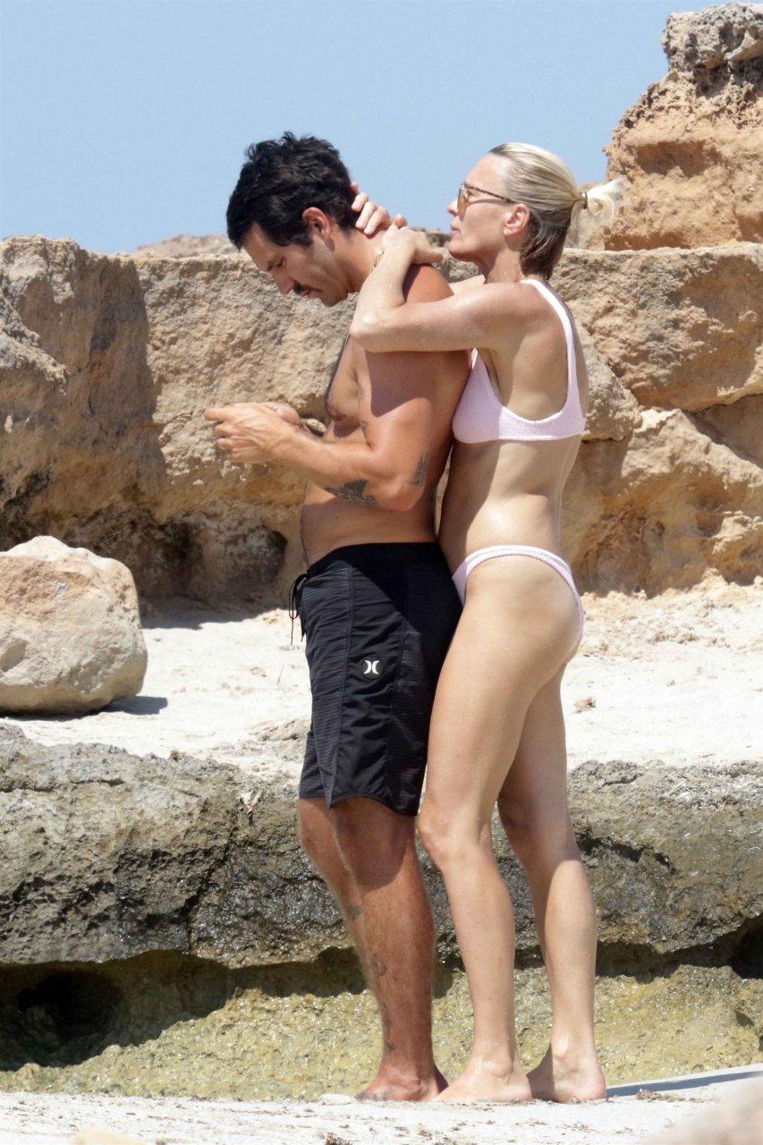 Ana braga topless 7 photos images