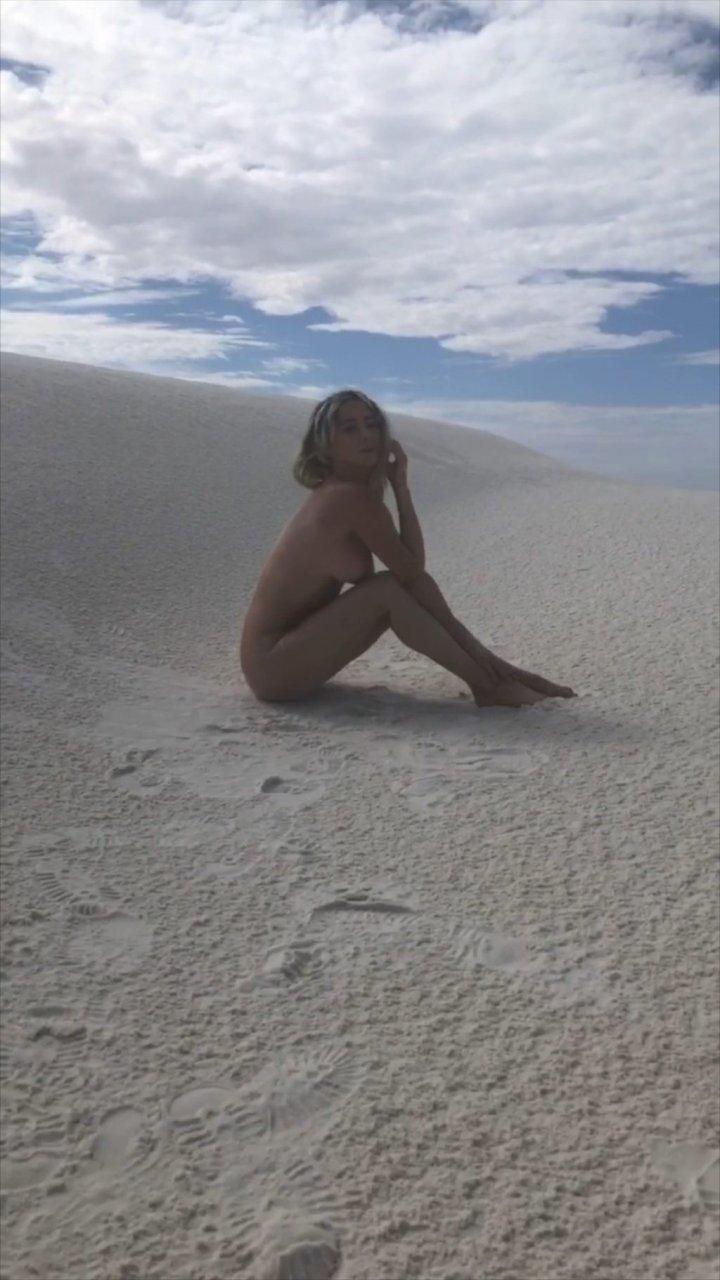 Sara Underwood Naked (25 Pics + GIFs & Video)