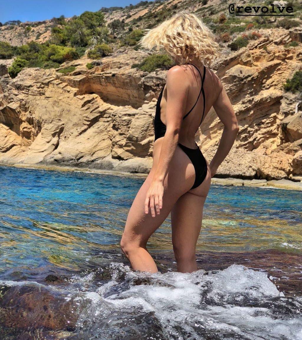 Shantel Vansanten Sexy Topless 130 Photos Thefappening
