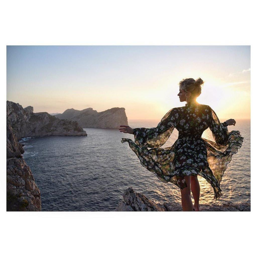 Shantel VanSanten Sexy & Topless (130 Photos)