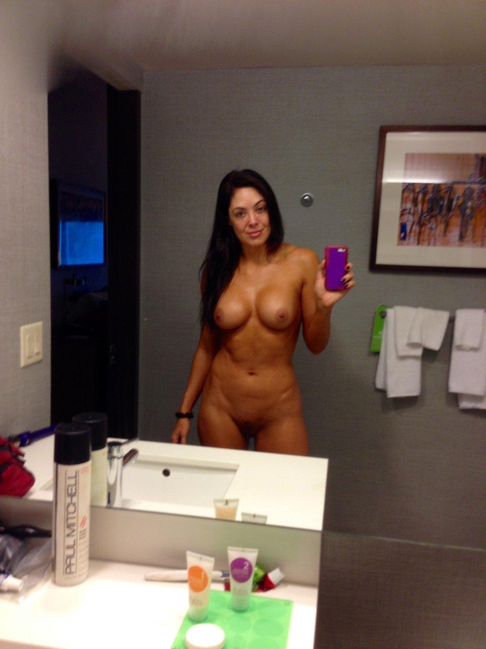 Rosemary naked tna