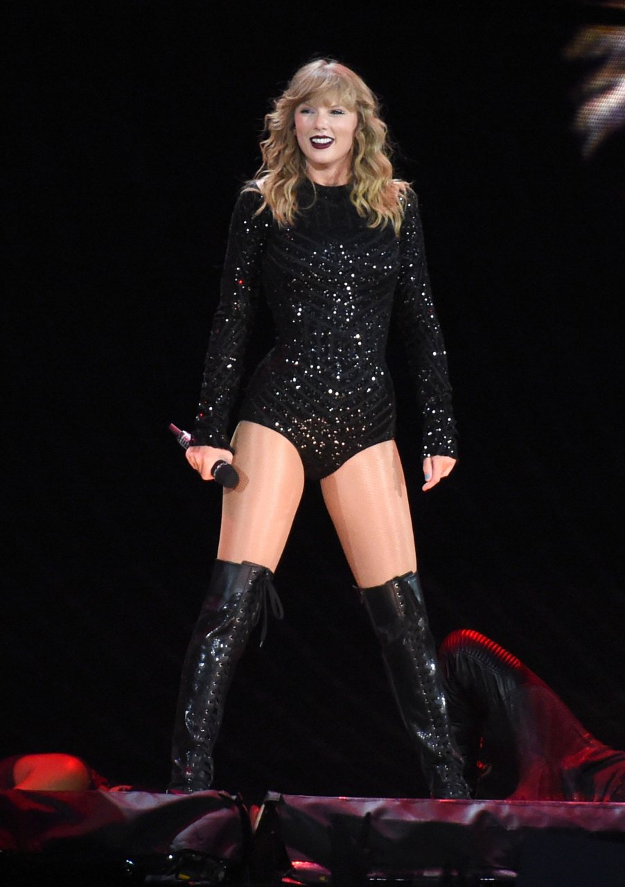 Taylor Swift Sexy (87 Photos + Video)   #TheFappening