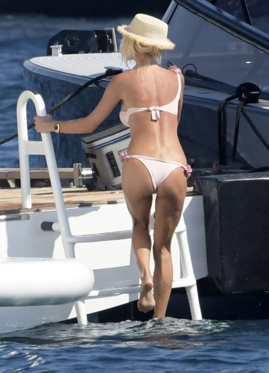 Victoria Silvstedt Sexy (56 Photos)