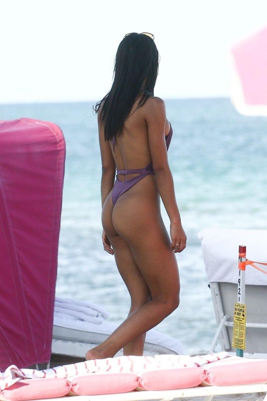 Yovanna Ventura Sexy (36 Photos + GIFs & Video)