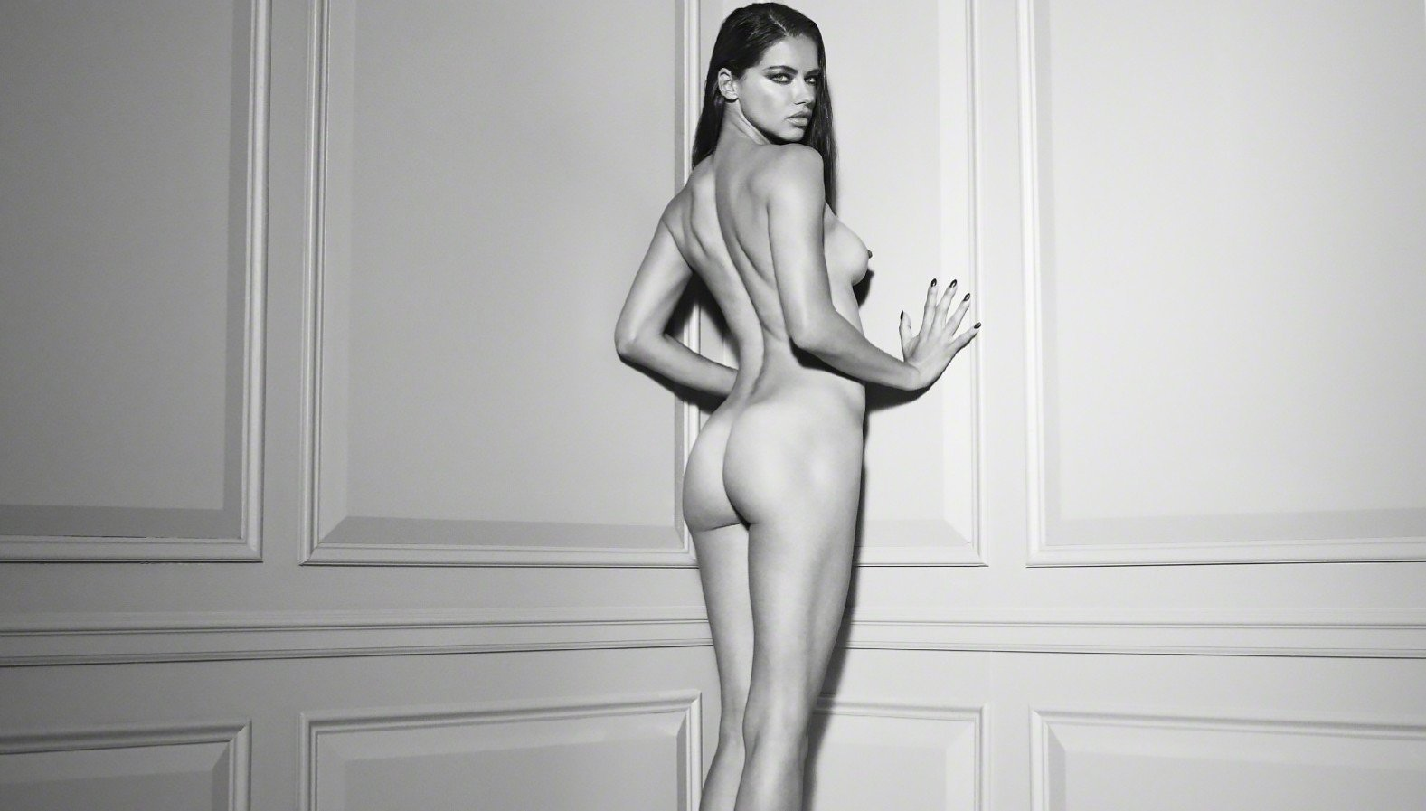 adriana lima naked images