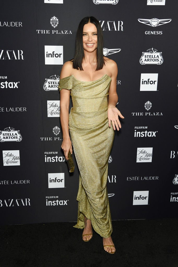 Adriana Lima Sexy (11 Photos)