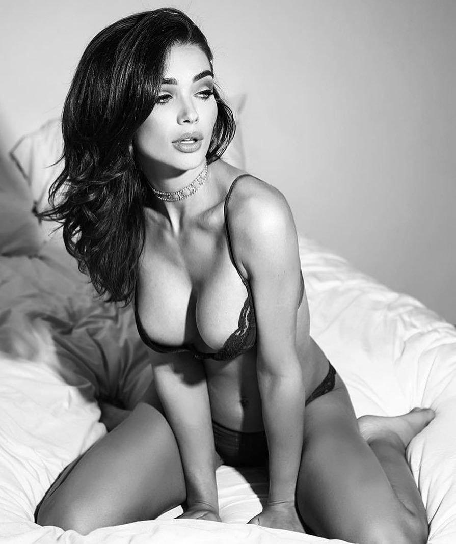 Amy Jackson Sexy (14 Photos)