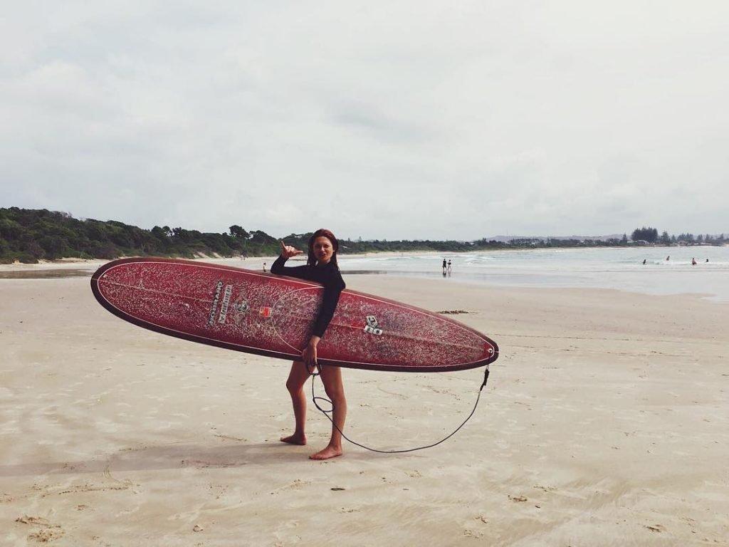 Bonnie Wright Sexy (23 Photos)