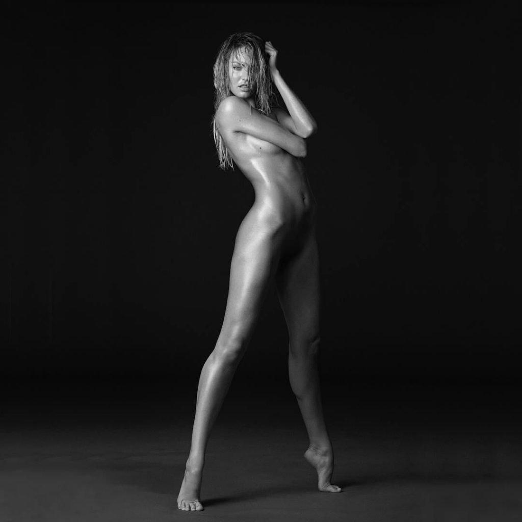 Candice Swanepoel Naked (2 New Photos)