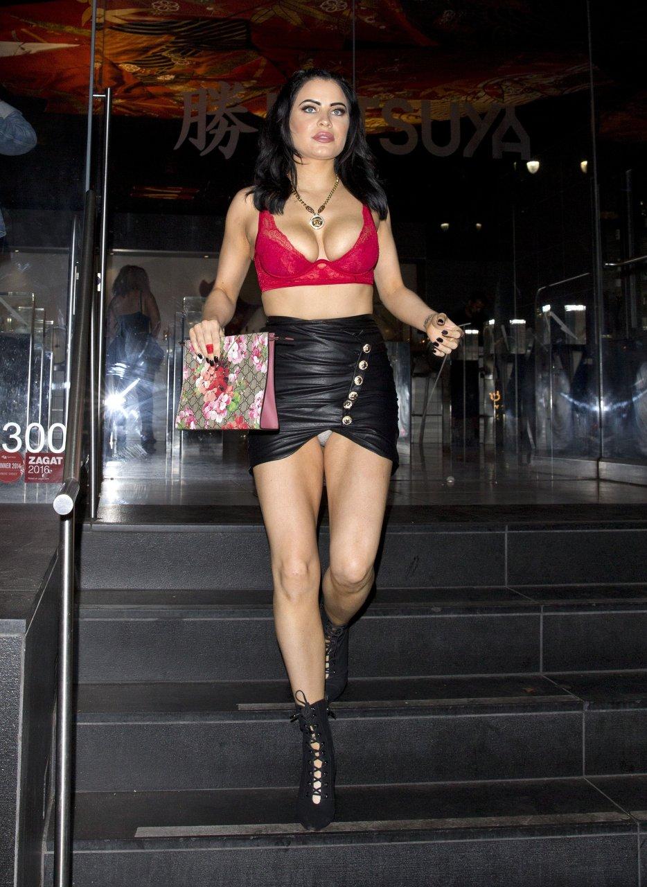 Carla-Howe-Nip-Slip-Upskirt-TheFappeningBlog.com-13.jpg