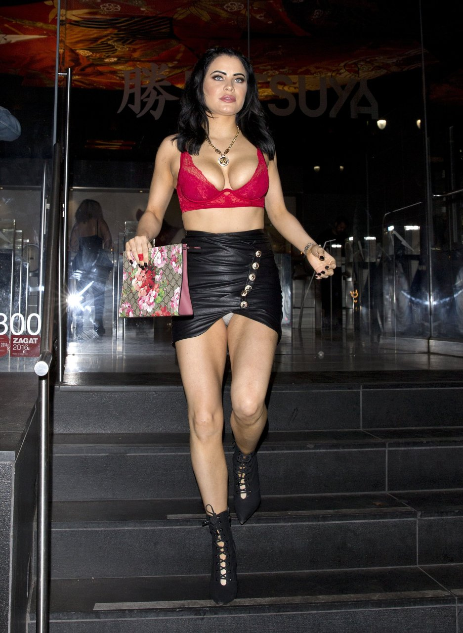 Carla-Howe-Nip-Slip-Upskirt-TheFappeningBlog.com-14.jpg