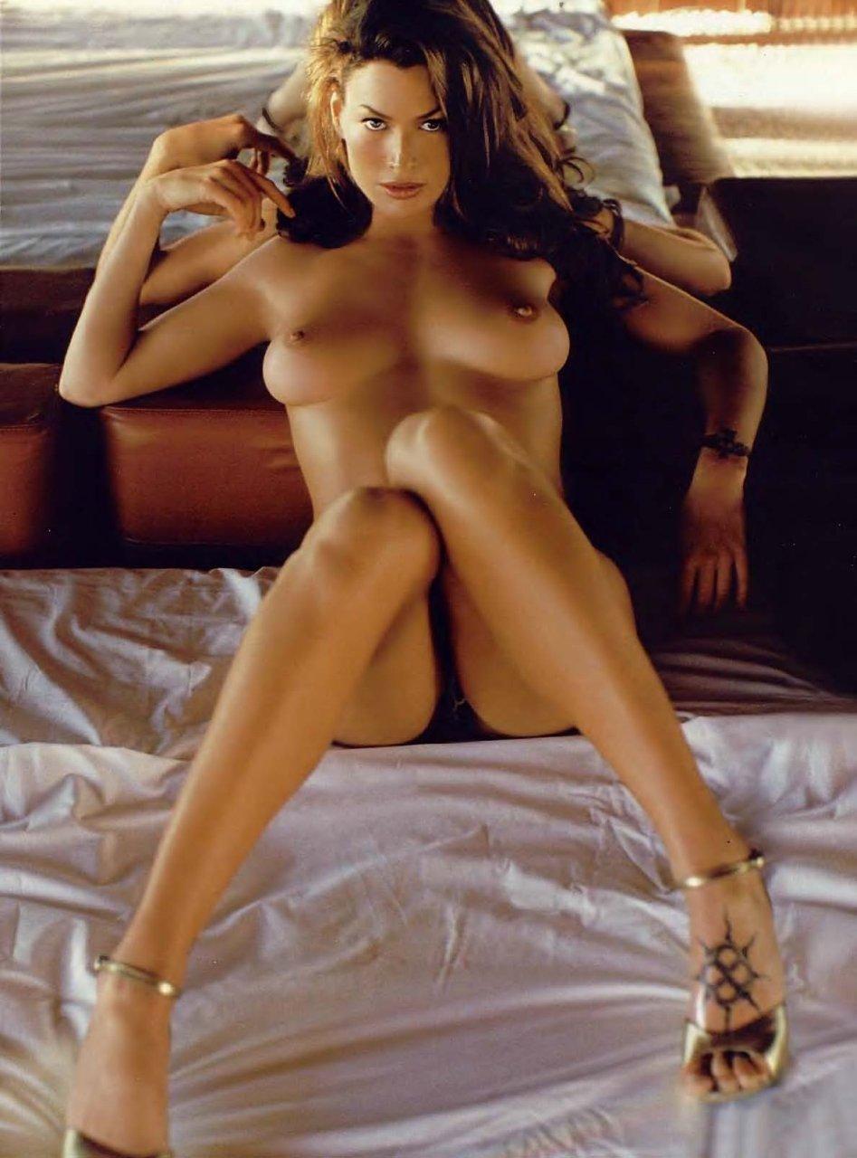 Fappening Nude Carre Otis naked photo 2017
