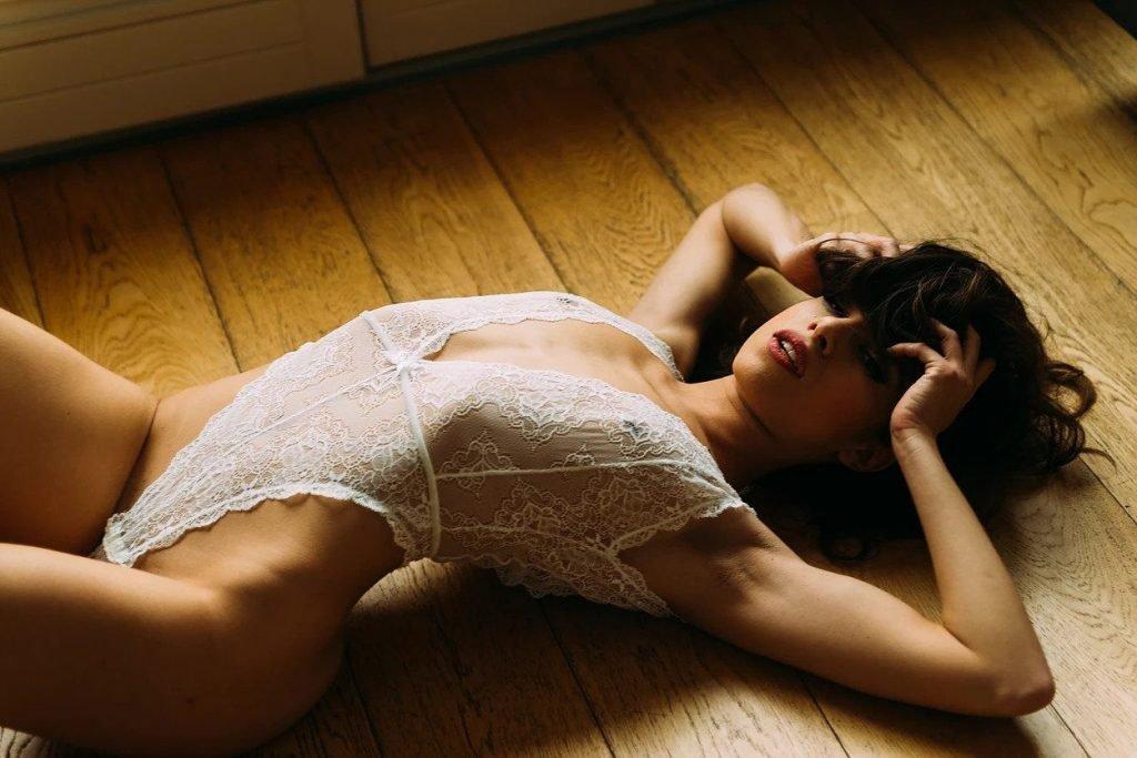 Model gif nude british hot
