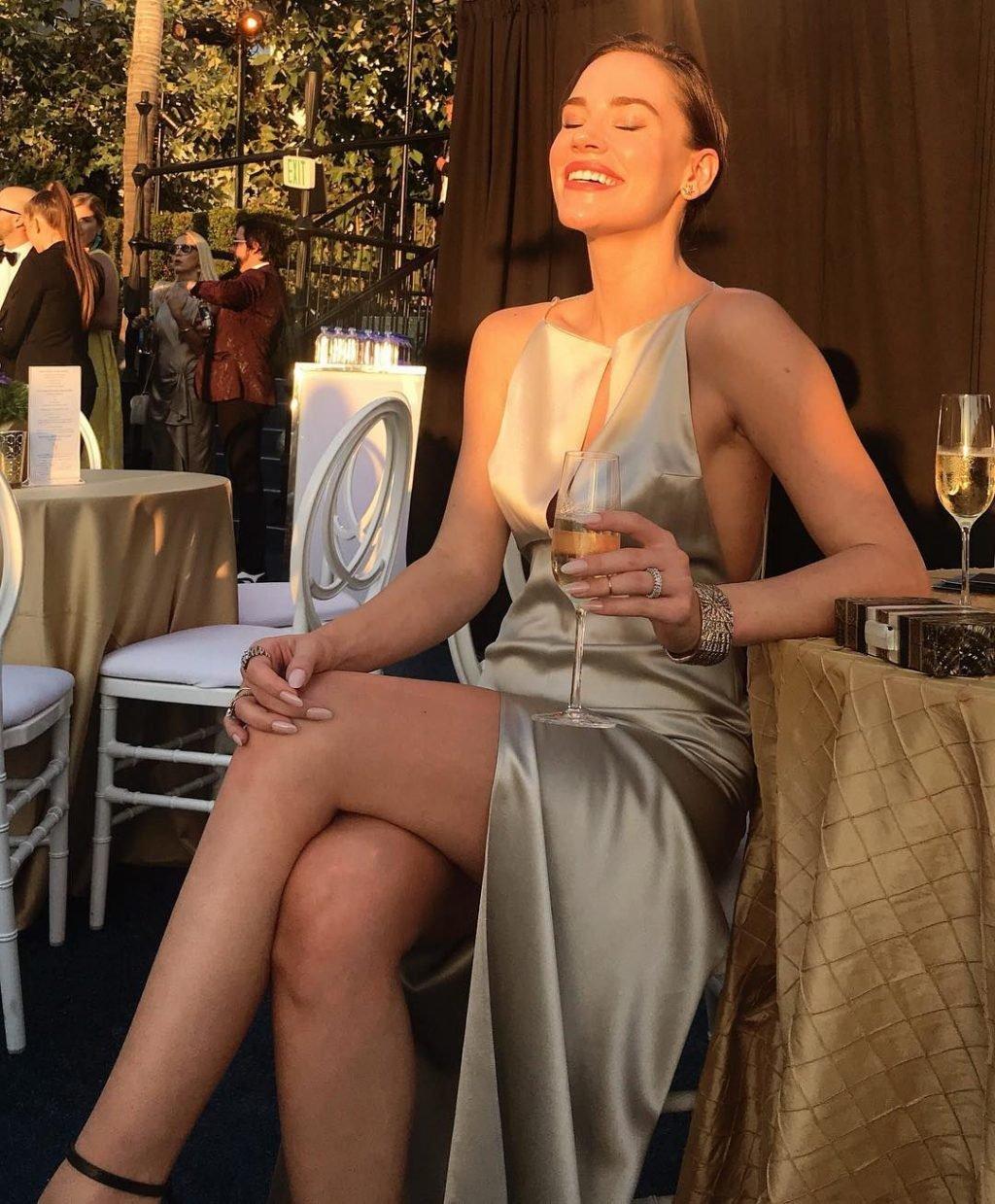 Christa B. Allen Sexy (16 Photos)