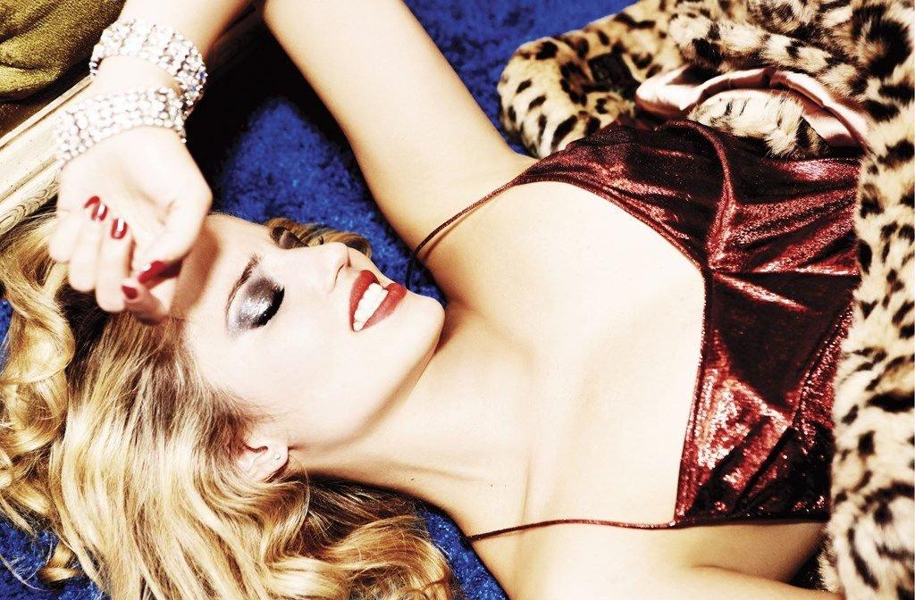 Dianna Agron Nude & Sexy (107 Photos)