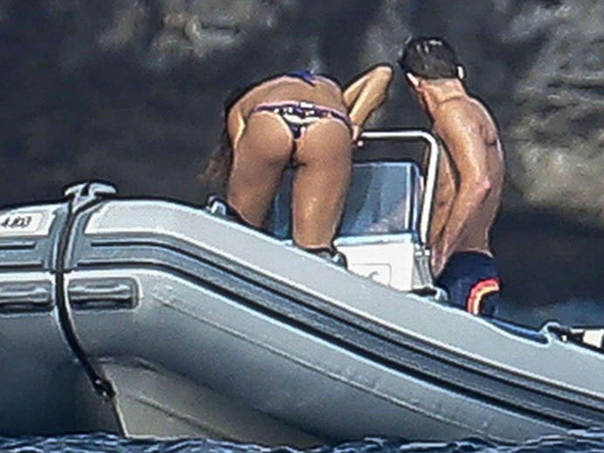 Elisabetta-Canalis-Sexy-Topless-TheFappeningBlog.com-15.jpg