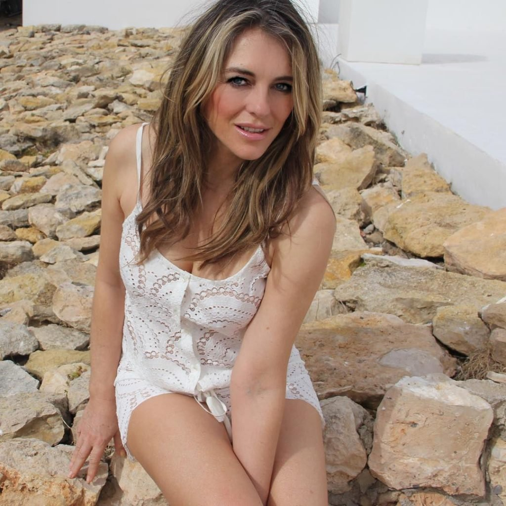 elizabeth hurley sexy photos