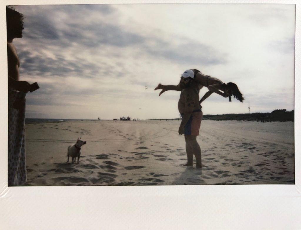 Emily Ratajkowski (4 Sexy Pics)