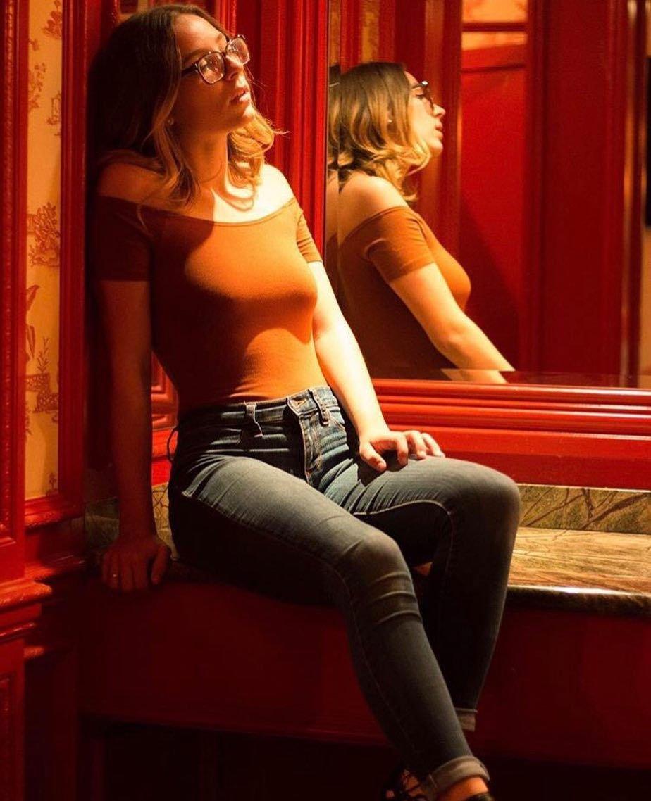 Emily Wills Nude & Sexy (94 Photos)