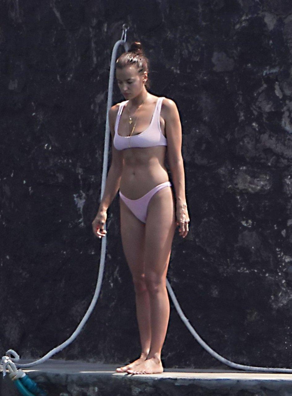 Irina Shayk Sexy (58 Photos)