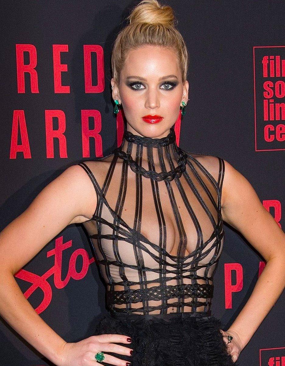 Jennifer Lawrence Sexy Nip Slip (11 Photos) JLaw