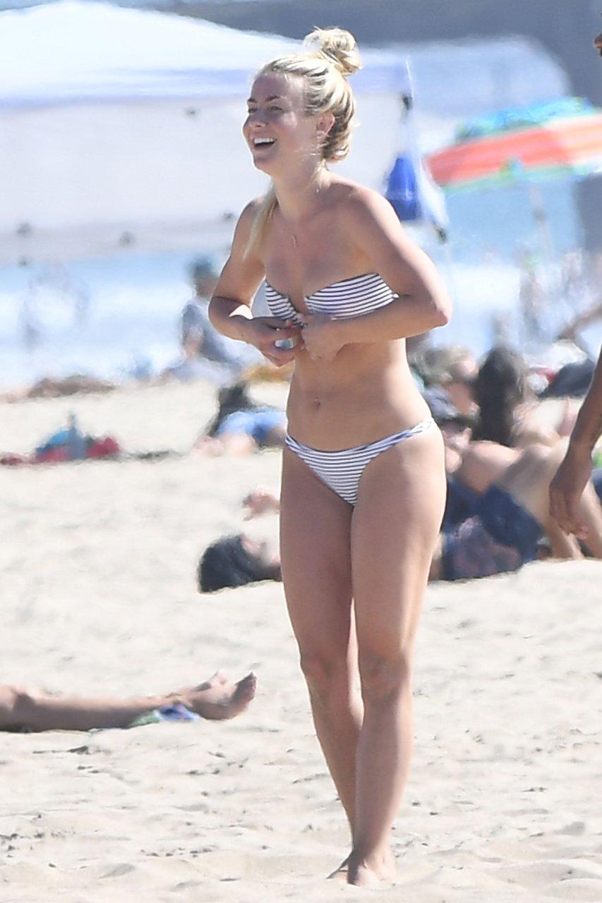 Julianne-Hough-Sexy-TheFappeningBlog.com-16.jpg