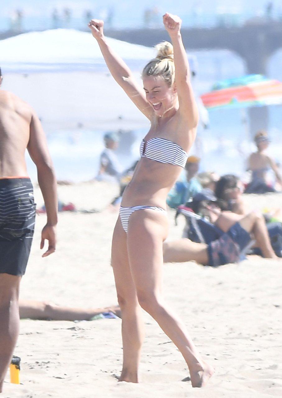 Julianne-Hough-Sexy-TheFappeningBlog.com-25.jpg