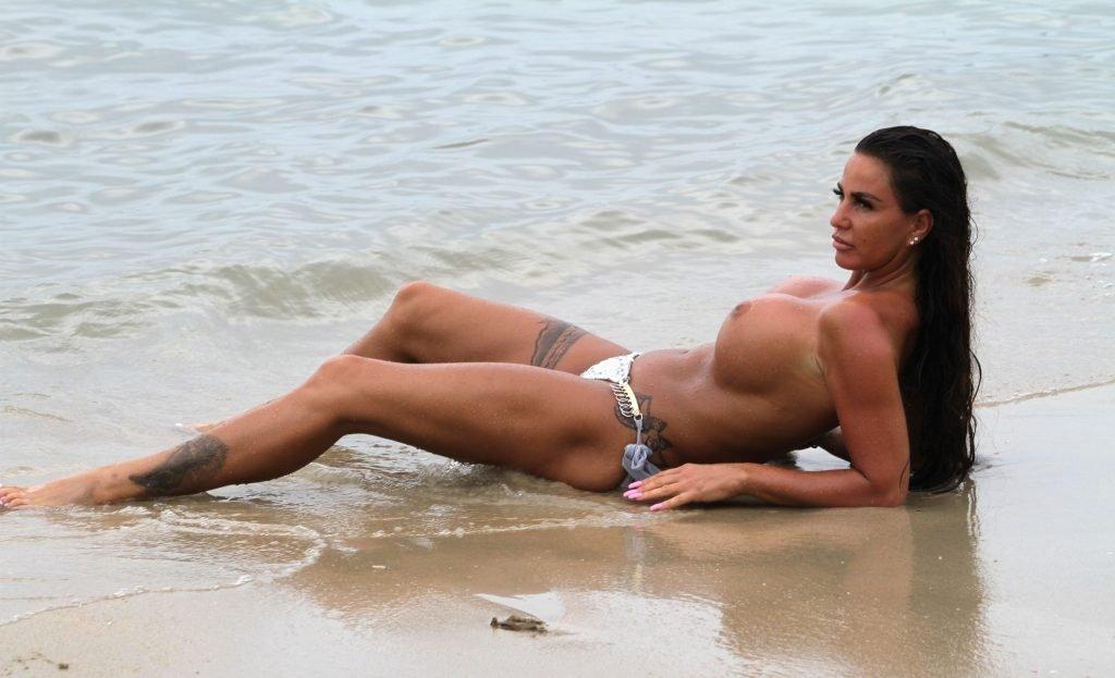 Katie Price Topless (63 Photos)