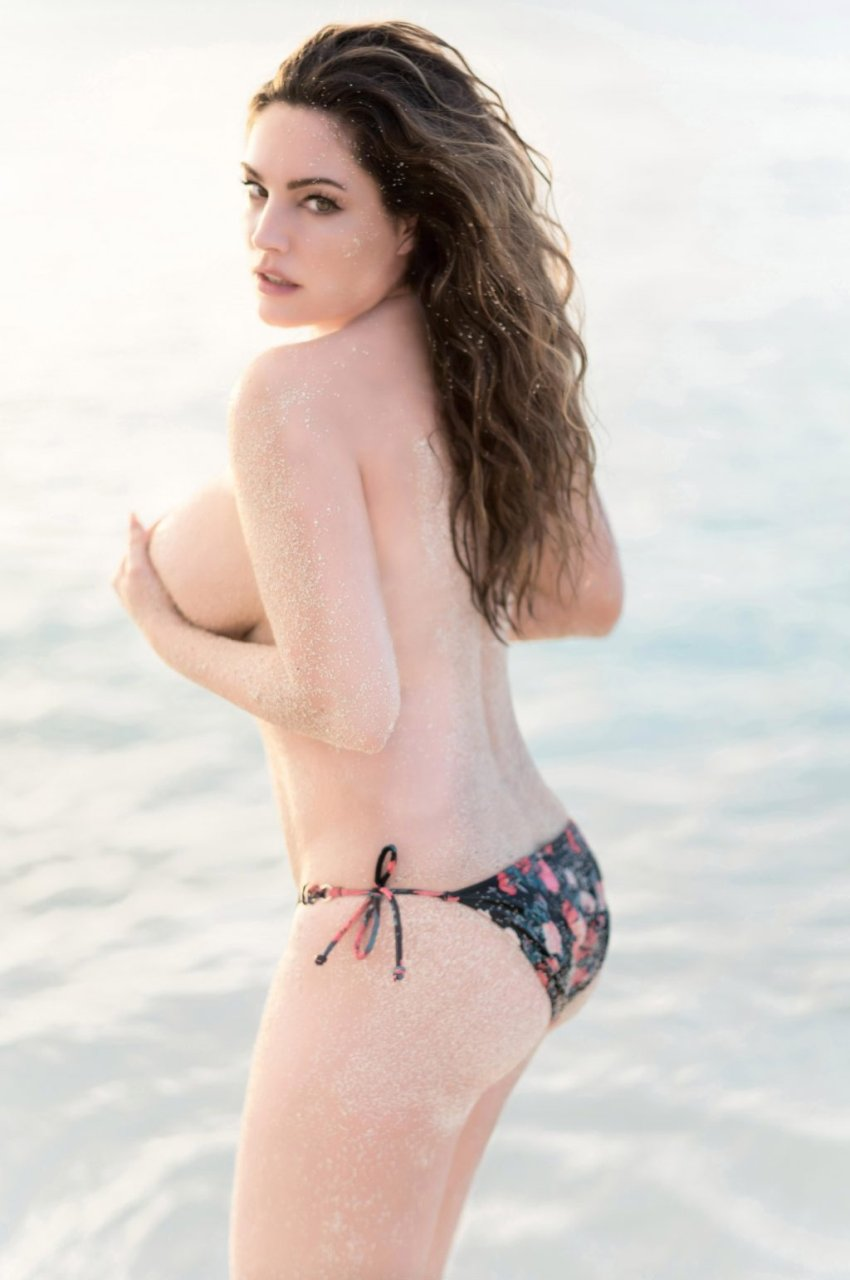 naked women and bikini photoshoot