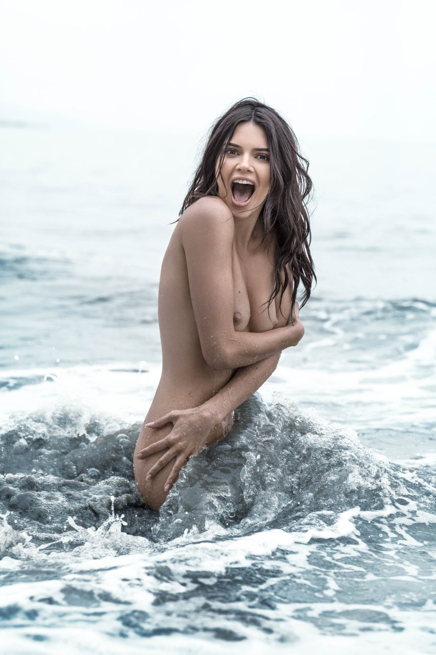 Kendall-Jenner-Nude-TheFappeningBlog.com-13.jpg