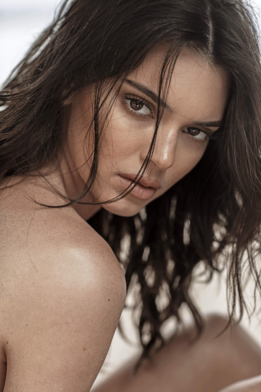 Kendall-Jenner-Nude-TheFappeningBlog.com-16.jpg