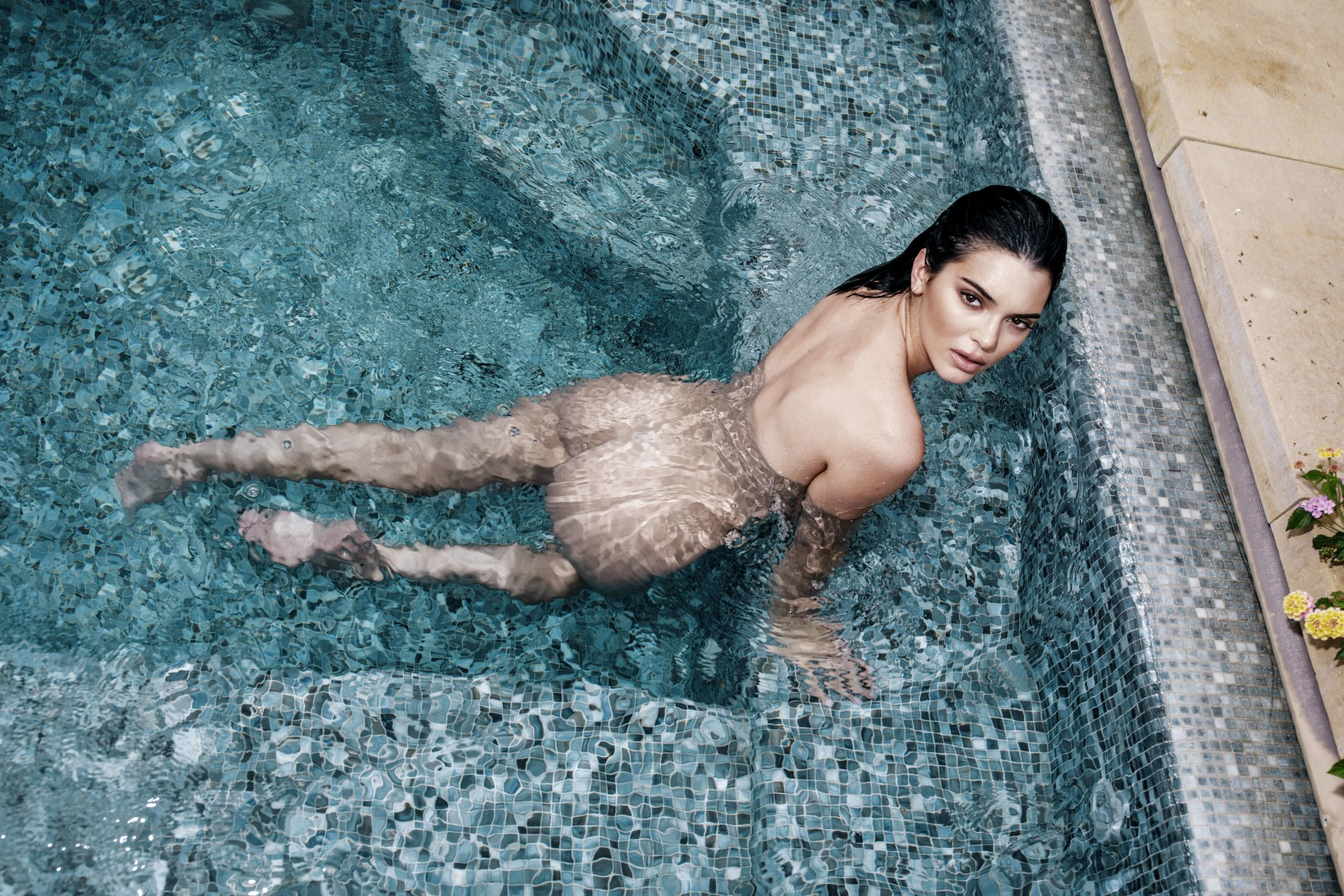 Kendall-Jenner-Nude-TheFappeningBlog.com-2.jpg
