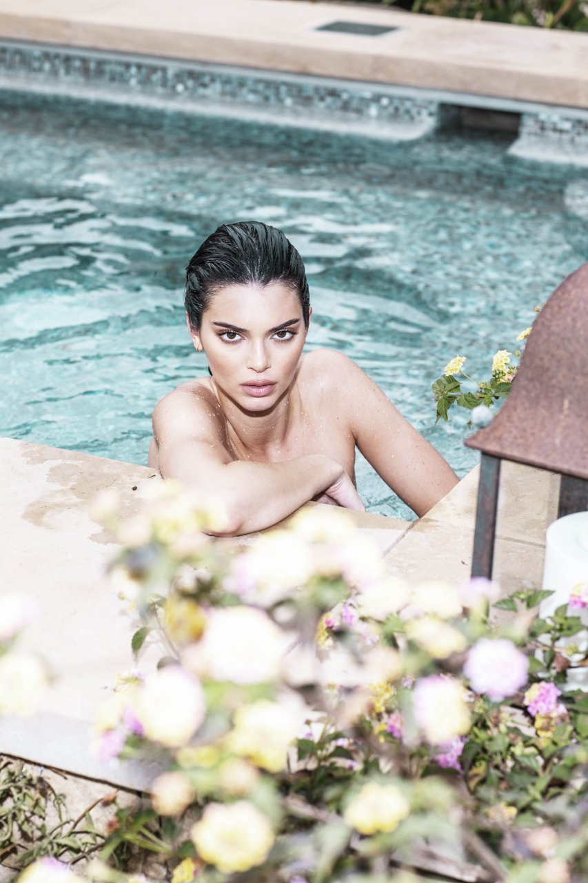 Kendall-Jenner-Nude-TheFappeningBlog.com-25.jpg