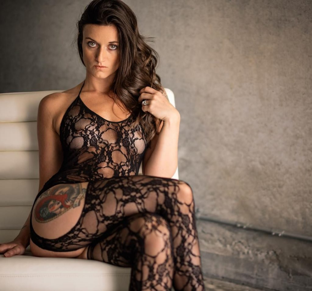 Kristi Cruz Nude & Sexy (60 Photos)